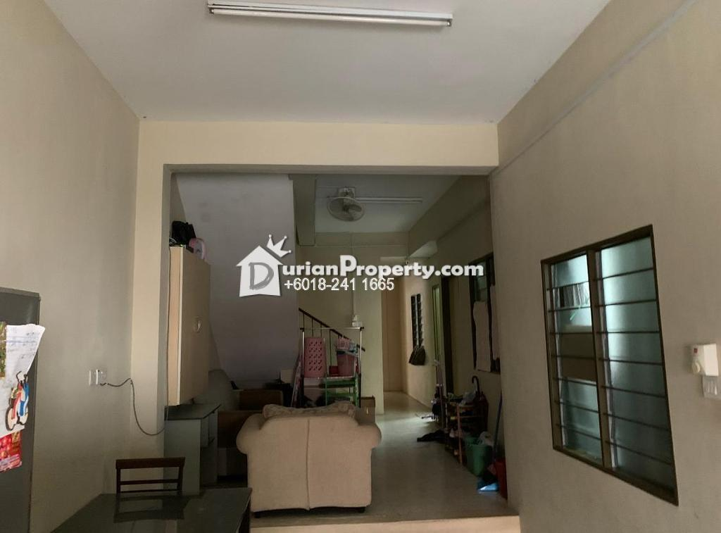 Terrace House Room for Rent at Section 17, Petaling Jaya