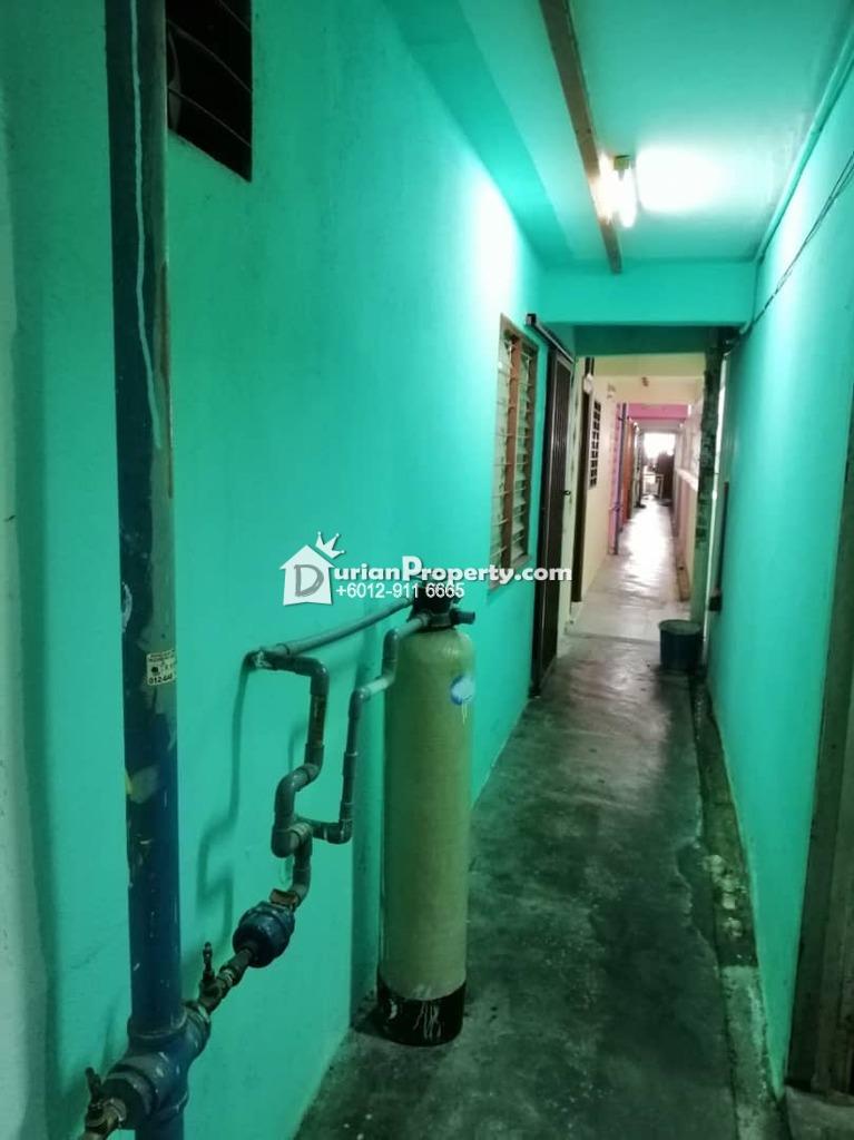 Flat For Rent at Pangsapuri Seri Nilam, Ampang