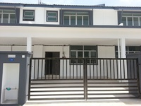 Property for Sale at Anggun 3