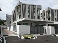 Property for Sale at Bukit Dumbar
