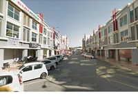 Property for Sale at Alam Avenue 2