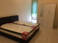 Terrace House Room for Rent at Bandar 16 Sierra, Puchong