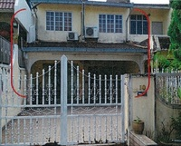 Property for Auction at Salak South Garden