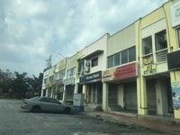 Shop For Sale at Bandar Pinggiran Subang, Subang