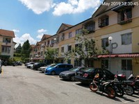 Property for Auction at Apartment Dahlia