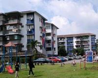 Property for Auction at Taman Pinggiran