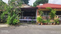 Property for Auction at Arau