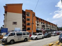 Property for Auction at Flat Taman Emas Teluk Kumbar