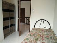 Terrace House Room for Rent at Taman Puncak Jalil, Seri Kembangan