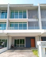 Property for Auction at D'Island