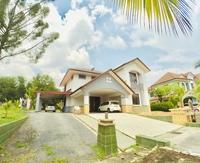 Property for Sale at Bayu Lakehomes