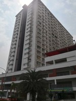 Property for Auction at Palm Garden Apartment