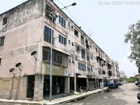 Property for Auction at Pandamaran