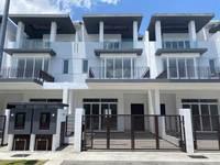 Property for Sale at Aquamarine