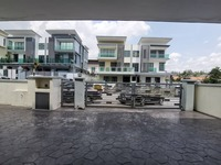 Property for Sale at Mahkota Hill