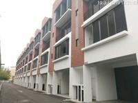 Property for Auction at Villa Senja